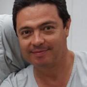 Dr. Fabio Abad Castaño